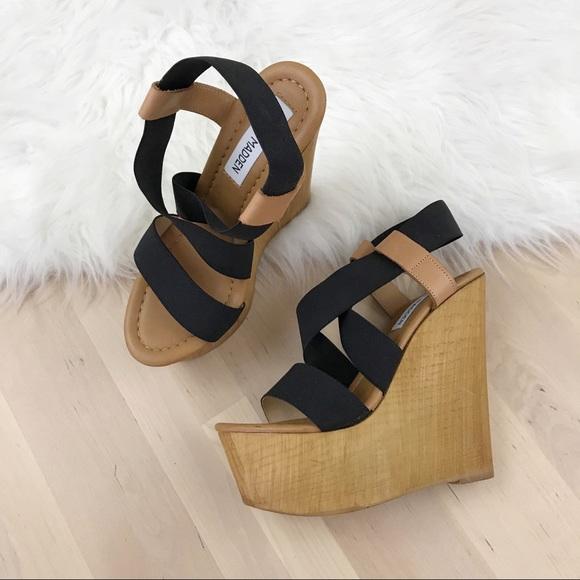 71032f2555ef Steve Madden Gandy Platform Wedge Sandals. M 5ac7c45a05f4306a156c9a98